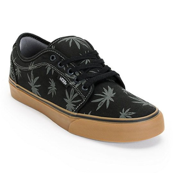 48f1112872  SALE  Vans pot leaf sneakers. M 5a5d50299cc7ef6f09c5e6e5
